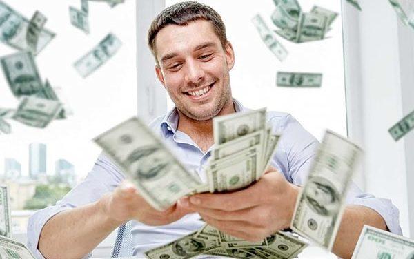 Первый капитал: сколько денег надо вложить в сайт, чтобы получать прибыль